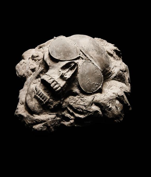 skullsunglassesfossil